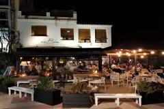 Es-Blanc-outside-terrace-by-night